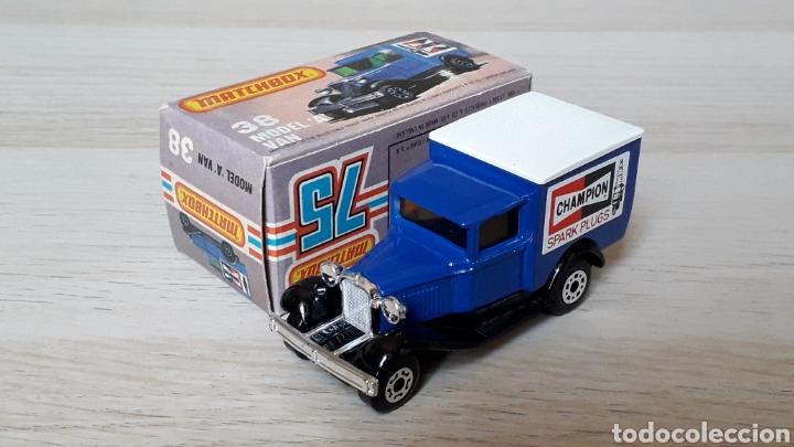 Coches a escala: Ford model A VAN Champion ref. 38-G, metal esc. 1/64, Lesney Matchbox England, año 1981. Con caja. - Foto 2 - 201768753