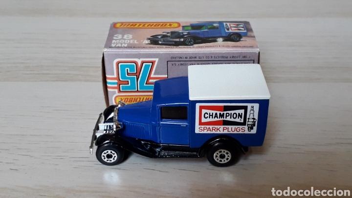 Coches a escala: Ford model A VAN Champion ref. 38-G, metal esc. 1/64, Lesney Matchbox England, año 1981. Con caja. - Foto 3 - 201768753