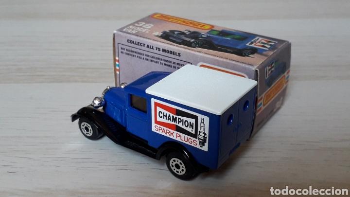 Coches a escala: Ford model A VAN Champion ref. 38-G, metal esc. 1/64, Lesney Matchbox England, año 1981. Con caja. - Foto 4 - 201768753