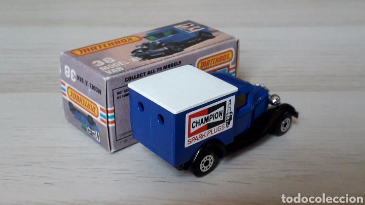 Coches a escala: Ford model A VAN Champion ref. 38-G, metal esc. 1/64, Lesney Matchbox England, año 1981. Con caja. - Foto 6 - 201768753