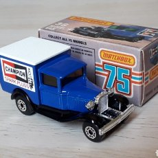 Coches a escala: FORD MODEL A VAN CHAMPION REF. 38-G, METAL ESC. 1/64, LESNEY MATCHBOX ENGLAND, AÑO 1981. CON CAJA.. Lote 201768753