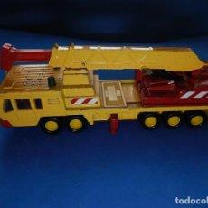 Coches a escala: GRUA. MOBILE CRANE. SUPER KING. MATCHBOX. 1985. FABRICADA EN CHINA. Lote 203411837
