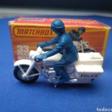 Coches a escala: MATCHBOX SUPERFAST POLICE MOTOR CYCLIST 33 , NUEVO Y EN CAJA, ESCALA 1/64. Lote 204134961