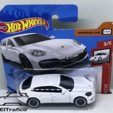 Coches a escala: HOT WHEELS PORSCHE PANAMERA TURBO S E-HYBRID BLANCO 1:64 HOTWHEELS 2020 // (6). Lote 207141352