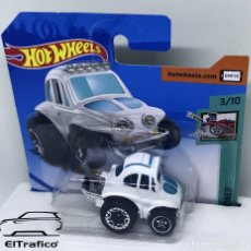 Coches a escala: HOT WHEELS VOLKSWAGEN BAJA BUG 70 1:64 HOTWHEELS 2020 // (4). Lote 207141495