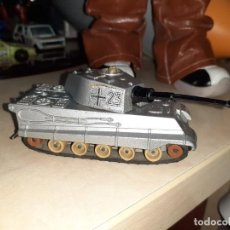 Coches a escala: MATCHBOX BATTLE KINGS.TANQUE ALEMÁN TIGER.1974 LESNEY.. Lote 211573710
