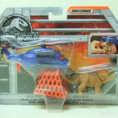 Coches a escala: TRICERA-COPTER CAPTURA TRICERATOPS - MATCHBOX JURASSIC WORLD PARK HELICOPTERO RED JUGUETE DINOSAURIO. Lote 218252595