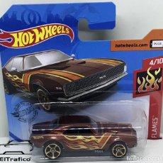 Carros em escala: HOT WHEELS CHEVROLET CAMARO 67 MARRON, 1:64 HOTWHEELS 2020 // (HWM02). Lote 219306950
