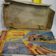 Coches a escala: ANTIGUO JUGUETE MATCHBOX SUPERFAST. PISTA DE COCHES. Lote 219343746