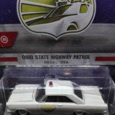Carros em escala: FORD CUSTOM POLICIA OHIO (1965) GREENLIGHT 1/64. Lote 221719090