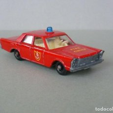 Coches a escala: LESNEY MATCHBOX Nº 59 C. FORD GALAXIE FIRE CHIEF, JEFE BOMBEROS. AÑO 1966.. Lote 221796137