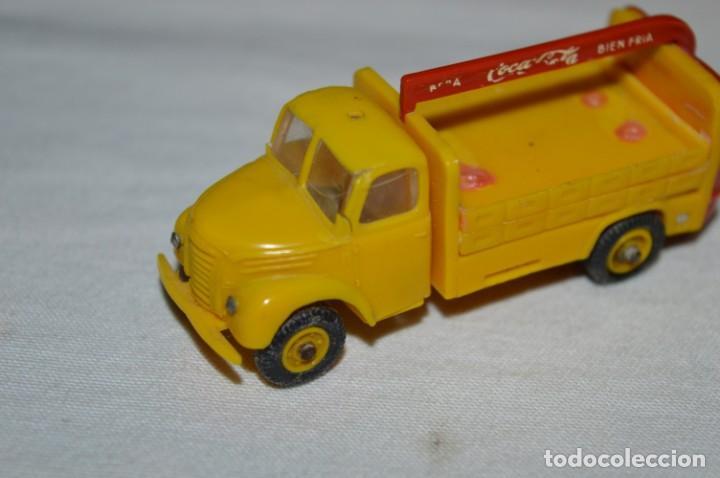 Coches a escala: Lote 04 - ANGUPLAS / MINI CARS - Camión EBRO COCA COLA - Muy ANTIGUO - ¡Mira fotos y detalles! - Foto 2 - 224660908