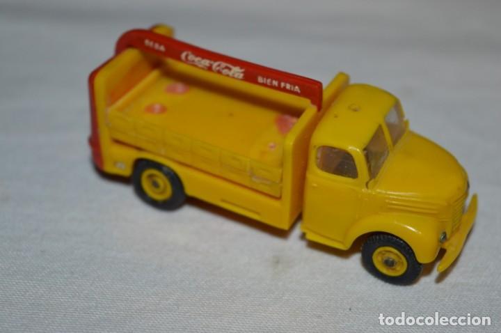 Coches a escala: Lote 04 - ANGUPLAS / MINI CARS - Camión EBRO COCA COLA - Muy ANTIGUO - ¡Mira fotos y detalles! - Foto 3 - 224660908