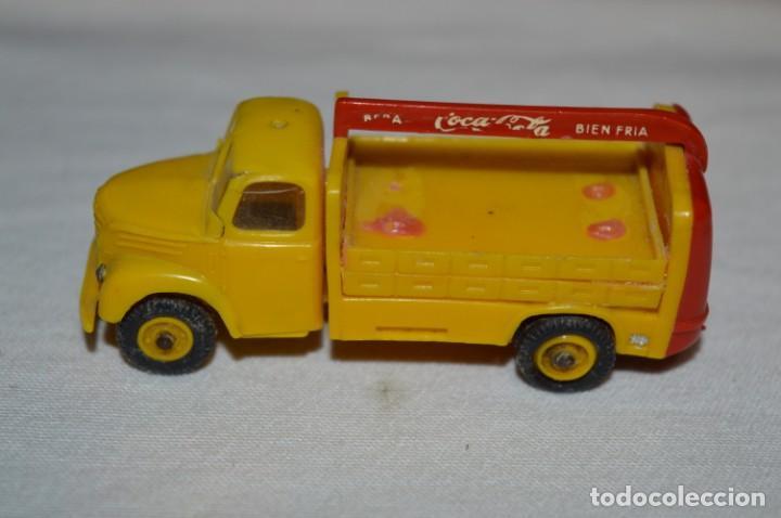 Coches a escala: Lote 04 - ANGUPLAS / MINI CARS - Camión EBRO COCA COLA - Muy ANTIGUO - ¡Mira fotos y detalles! - Foto 6 - 224660908