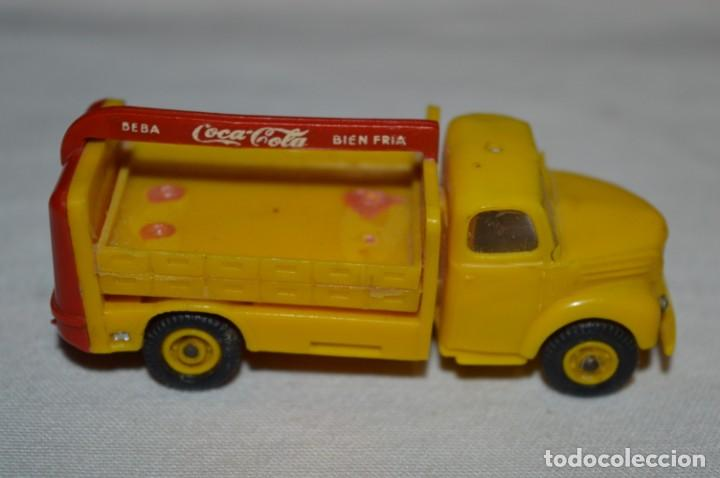 Coches a escala: Lote 04 - ANGUPLAS / MINI CARS - Camión EBRO COCA COLA - Muy ANTIGUO - ¡Mira fotos y detalles! - Foto 7 - 224660908