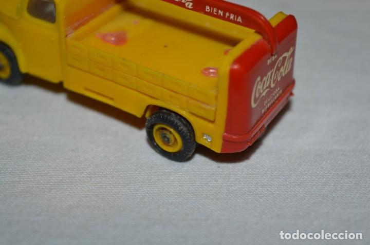Coches a escala: Lote 04 - ANGUPLAS / MINI CARS - Camión EBRO COCA COLA - Muy ANTIGUO - ¡Mira fotos y detalles! - Foto 10 - 224660908