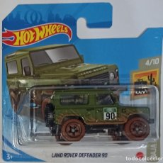 Coches a escala: HOT WHEELS LAND ROVER DEFENDER 90. BAJA BLAZERS 4/10. Lote 231897270