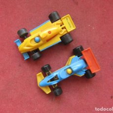 Coches a escala: BRUDER 2 COCHES FORMULA 1 PLASTIC MINIATURA MADE IN GERMANY. Lote 232347525
