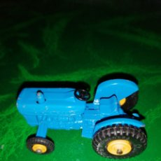 Coches a escala: TRACTOR FORD, MATCHBOX SERIES N°39,LESNEY. Lote 232886425