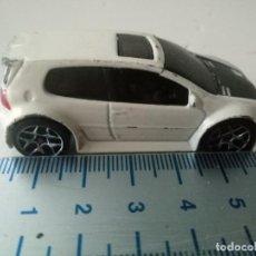 Coches a escala: HOT WHEELS VOLKSWAGEN GOLF GTI BLANCO MALASIA VW. COCHE LOTE NO MAJORETTE GUISVAL MATCHBOX. Lote 234685240