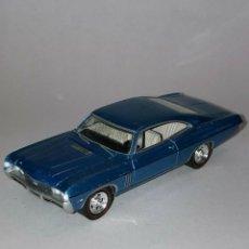 Coches a escala: 232 GREENLIGHT COCHE 1968 CHEVROLET IMPALA CAR BLUE 1/64 DIECAST 1:64 SCALE. Lote 235131415