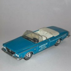 Coches a escala: 233 GREENLIGHT COCHE CHRYSLER 300 OFFICIAL PACE CAR BLUE 1/64 DIECAST 1:64 SCALE. Lote 235132195