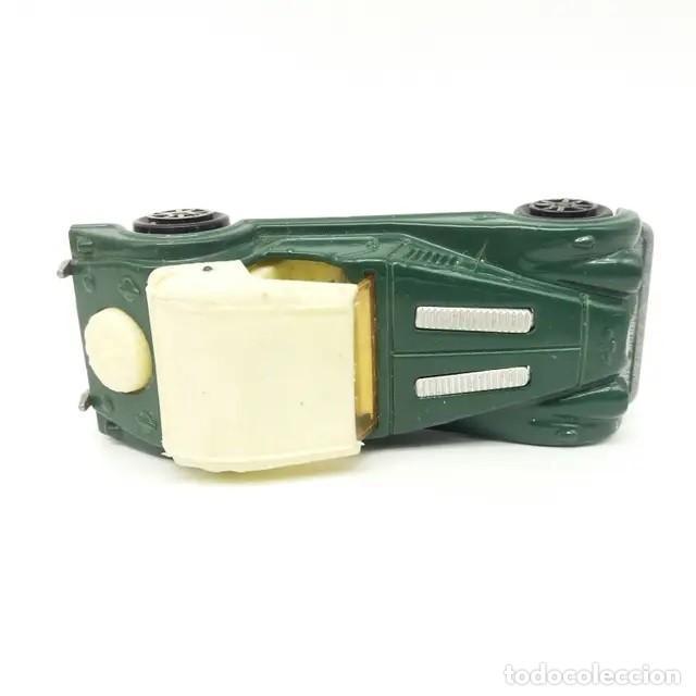 Coches a escala: Morgan Plus 8 verde con capota clara referencia 261 escala 1:50 de Majorette versión año 1988 - Foto 3 - 244026930