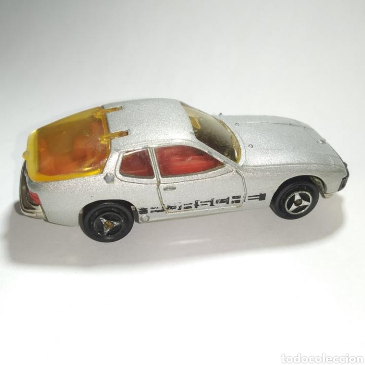 Coches a escala: Porsche 924 gris referencia 247 escala 1:60 de Majorette versión año 1978 a 1979 - Foto 2 - 244179205