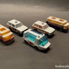 Coches a escala: LOTE DE 5 COCHES DE JUGUETE (MARCA MATCHBOX) - MADE IN ENGLAND -AMBULANCIA - POLICIA - AUTOBUS. Lote 246237820