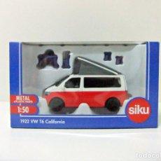 Coches a escala: VW T6 CALIFORNIA - SIKU ESCALA 1:50 REF. Nº 1922 - VOLKSWAGEN VAN CAMPER COCHE FURGONETA CAMPING CAR. Lote 252443700