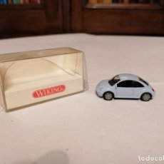 Coches a escala: WIKING 1/87 035 03 24 VOLKSWAGEN NEW BEETLE PERFECTO ESTADO. Lote 253236105