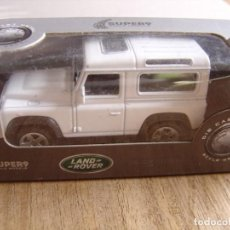 Coches a escala: LAND ROVER DEFENDER. -COCHES LEGENDARIOS-. WELLY SUPER9. SCALE MODELS 1/60. Lote 254045365