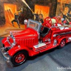 Coches a escala: MATCHBOX FIRE ENGINE, MACK AB FIRE ENGINE 1935, NUEVO C/CAJA - FLA. Lote 254159325