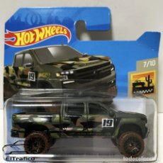 Coches a escala: HOT WHEELS CHEVROLET CHEVY SILVERADO TRAIL BOSS LT 2019 CAMUFLAJE, HOTWHEELS. Lote 254404265