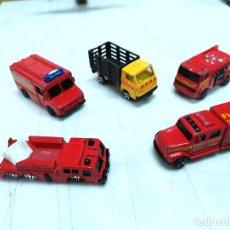 Coches a escala: LOTE 5 CAMIONES MAISTO 4 BOMBEROS Y UN CAMION REPARTO. Lote 254490675