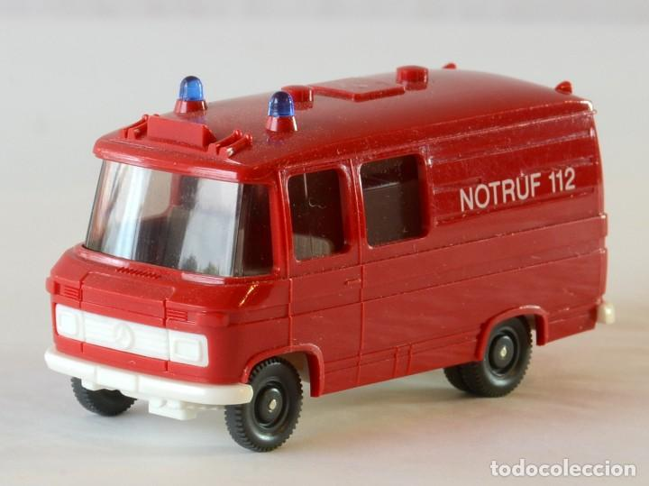 Coches a escala: Wiking Escala H0 1:87 Mercedes Benz 408 Ambulancia Bomberos - Foto 2 - 261122580