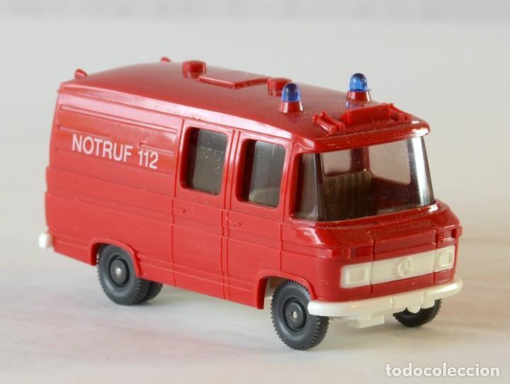 Coches a escala: Wiking Escala H0 1:87 Mercedes Benz 408 Ambulancia Bomberos - Foto 5 - 261122580