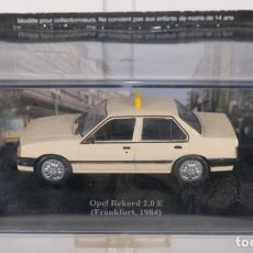 Coches a escala: RÉPLICA COCHE OPEL REKORD 2.0 E FRANKFURT 1984 MADE IN CHINA. Lote 263047390