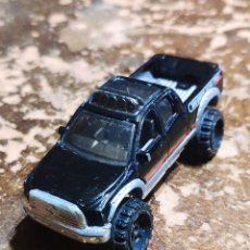 Coches a escala: HOT WHEELS: '10 TOYOTA TUNDRA. Lote 263215340