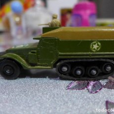 Coches a escala: K-108 M3 HALF TRACK DE MATCHBOX BATTLE KINGS LESNEY. Lote 263215795