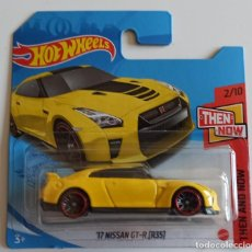 Coches a escala: HOT WHEELS '17 NISSAN GT-R (R35). THEN AND NOW 2/10 (4). Lote 263582220