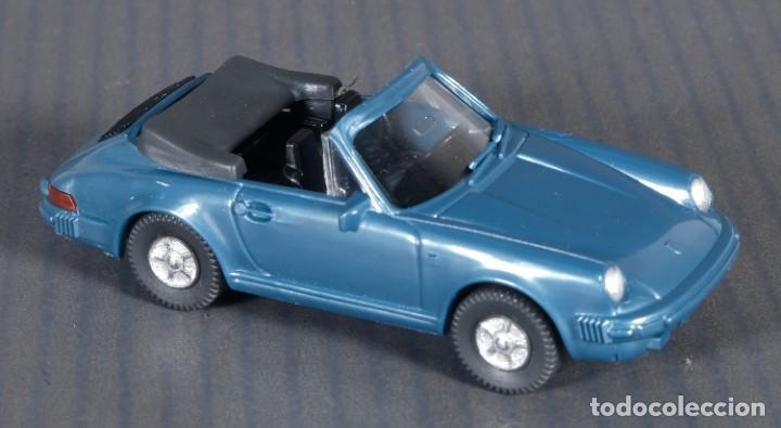 Coches a escala: Coche Wiking Porche Cabrio 911 12162 - Foto 3 - 268455729