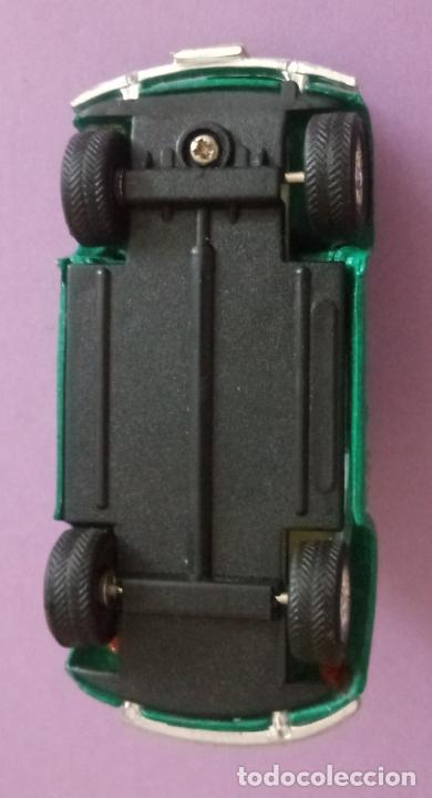 Coches a escala: LOTE DE DOS COCHES MINI BEETLES - METAL - 8 x 3 CMS APROX - Foto 13 - 272061863