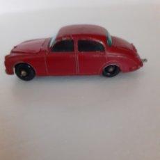 Auto in scala: MATCHBOX JAGUAR 3,4 LITRE APERTURA CAPO DELANTERO. Lote 272091913