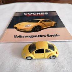 Coches a escala: WELLY 1/60 52061 VOLKSWAGEN NEW BEETLE METAL CON FASCÍCULO COCHES LEGENDARIOS. Lote 275465083