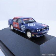 Coches a escala: HERPA BMW M3 (E30) DTM 1993 NR.18, KÖNIG VITRINA ESCALA 1:87 H0 (1292). Lote 294960103