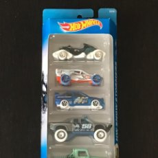 Coches a escala: HOT WHEELS 2017 - HW SNOW STORMERS PACK 5 COCHES - FORD ESCORT RALLY JEEP SCRAMBLER SANDBLASTER. Lote 295504318