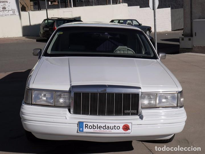 Coches: Ford Lincoln Town Car (limusina) - Foto 2 - 98188727