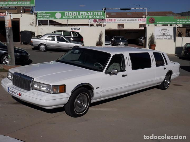 Coches: Ford Lincoln Town Car (limusina) - Foto 3 - 98188727