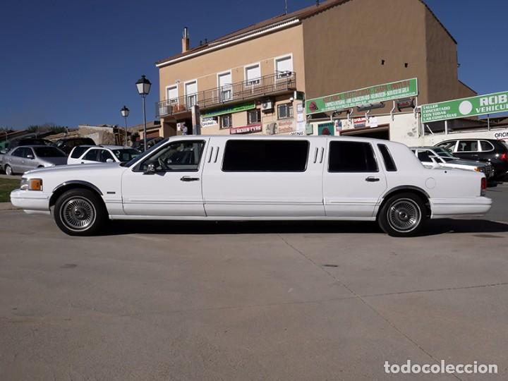 Coches: Ford Lincoln Town Car (limusina) - Foto 4 - 98188727